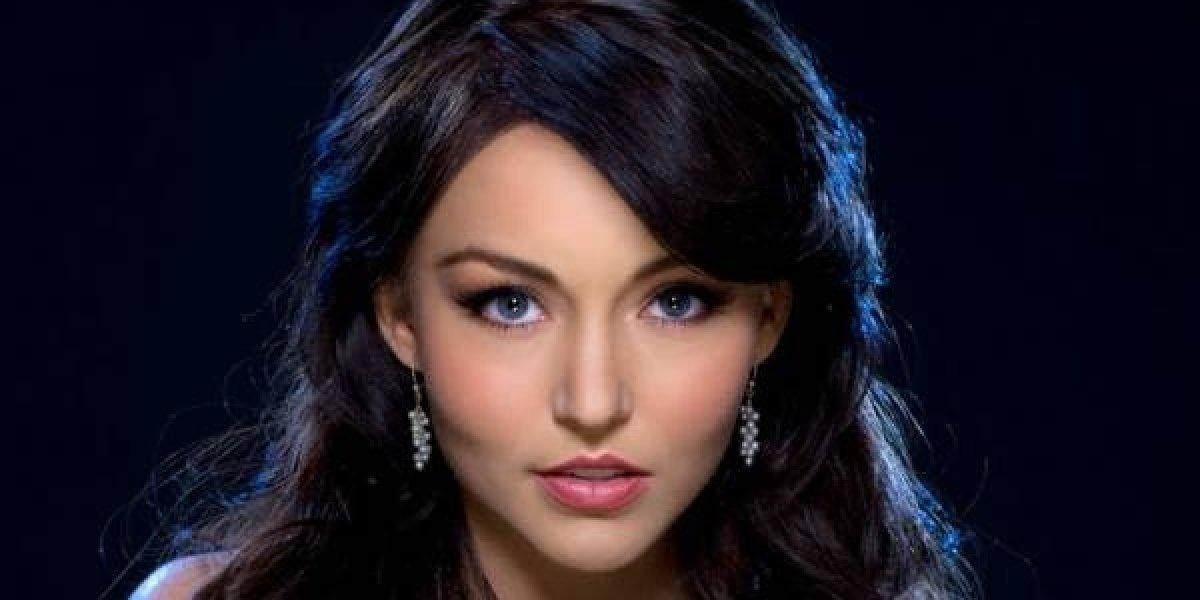 Fans viralizan foto de Angelique Boyer de cuando tenía labio leporino