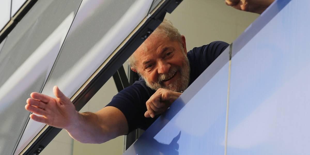Manifestantes toman propiedad que llevó a Lula da Silva a prisión