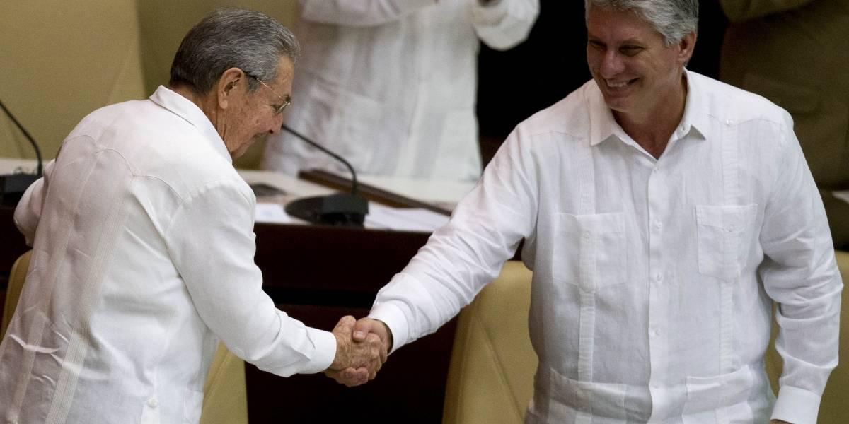 Parlamento cubano adelanta sesión para elegir al sucesor de Castro