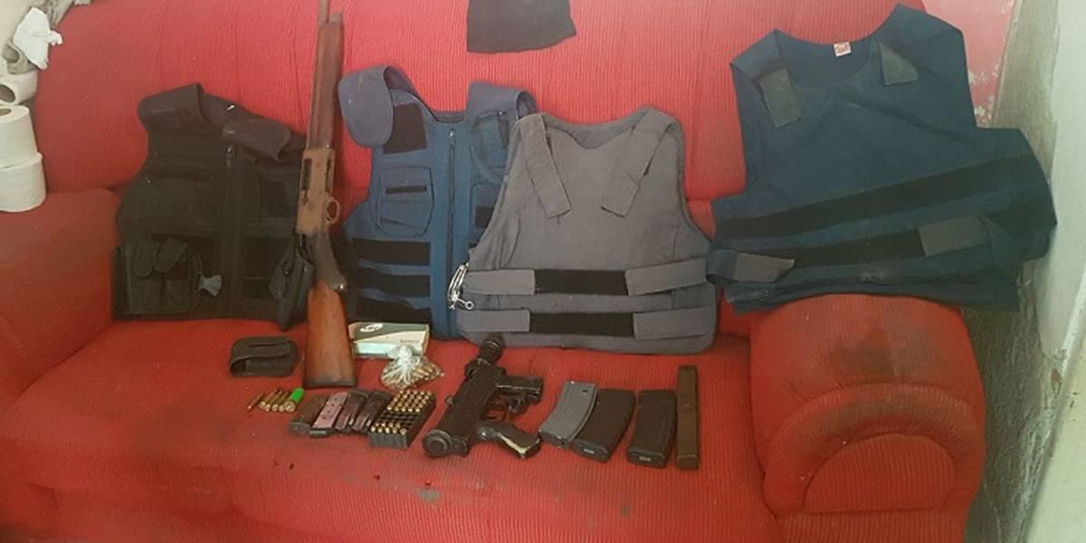 Homem é preso com drogas, metralhadora e veículo receptado no Itaim Paulista