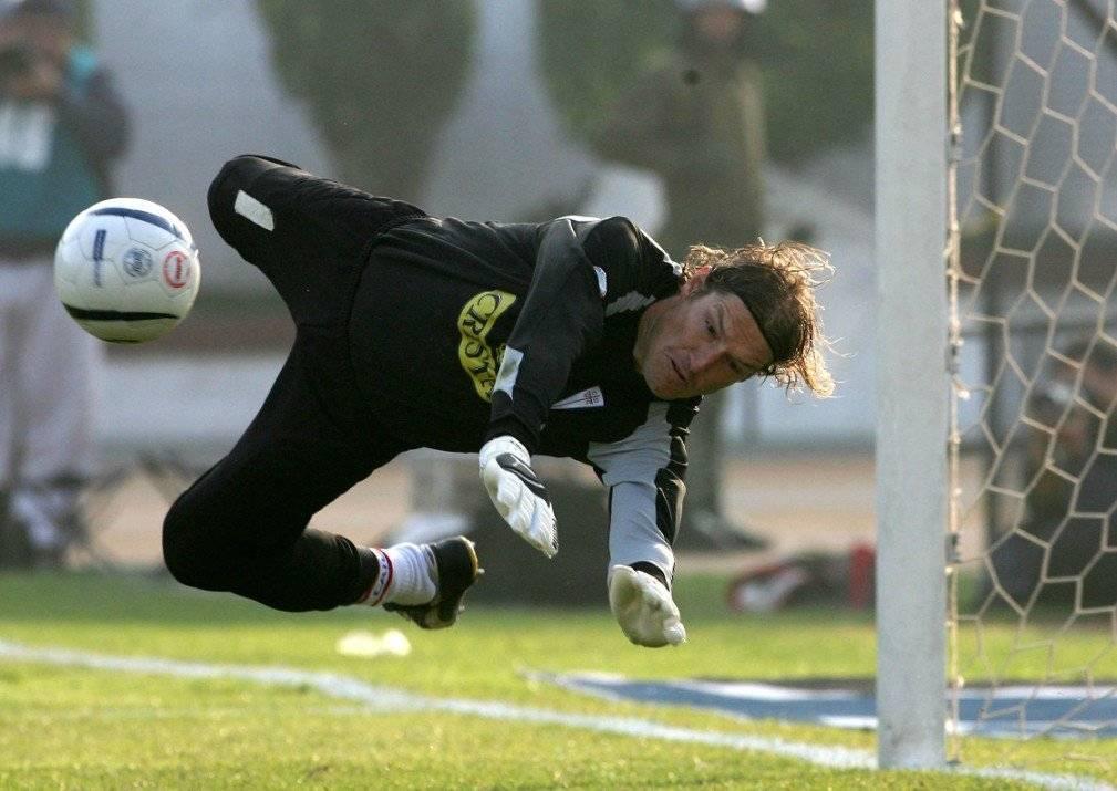 José María Buljubasich alcanzó el récord de imbatibilidad en el fútbol chileno durante el Clausura 2005 / Foto: Photosport