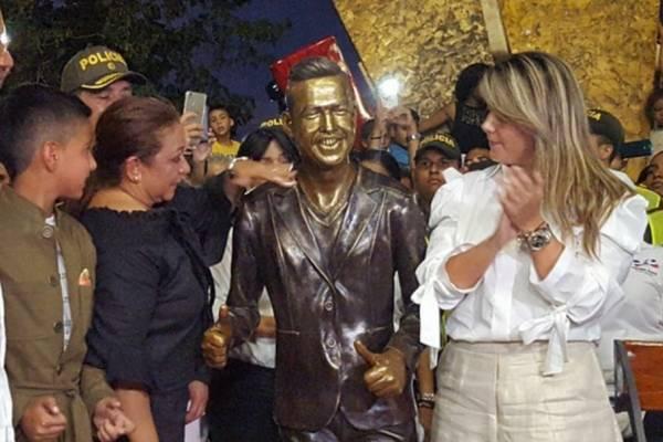 Estatua Martín Elías