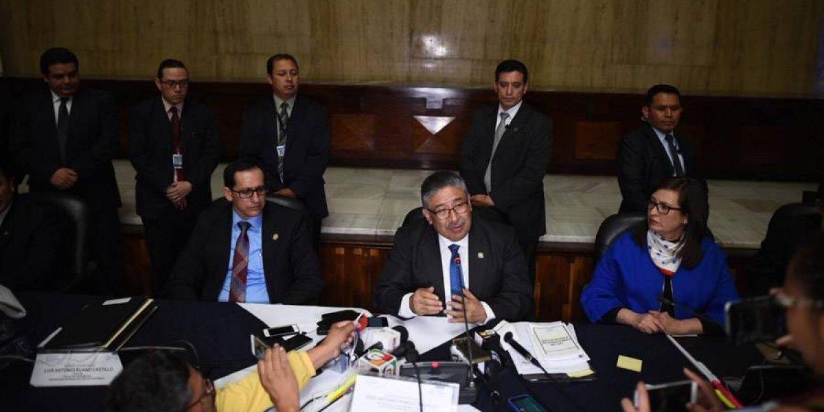 Interponen 8 acciones legales en contra del proceso de elección a fiscal general