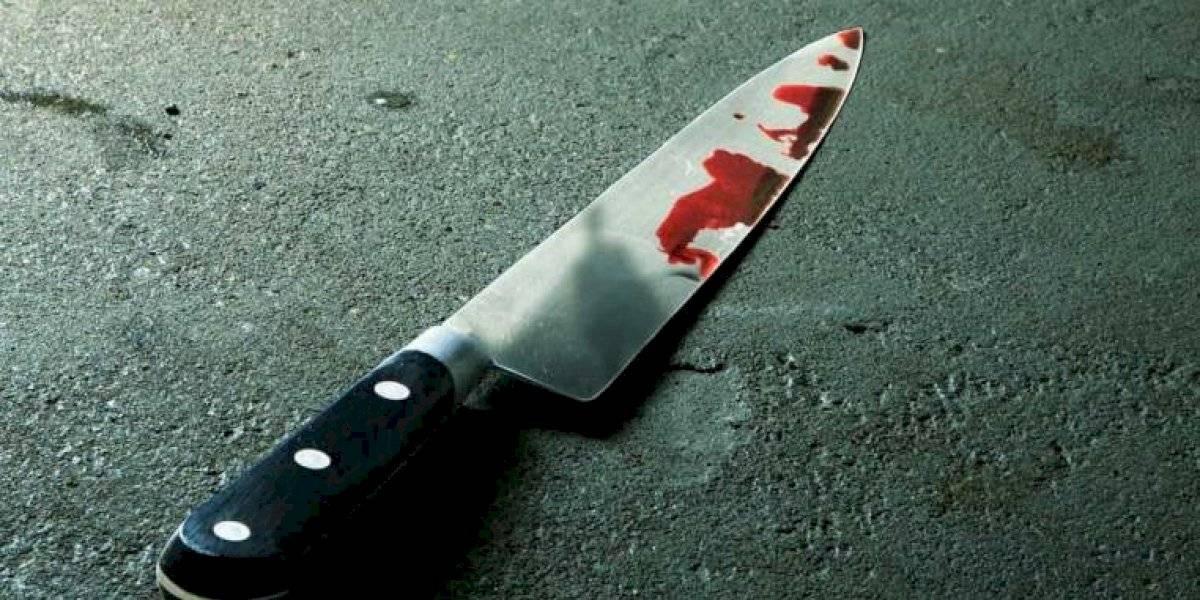 Intenta matar a la novia de su expareja tratando de simular un suicidio