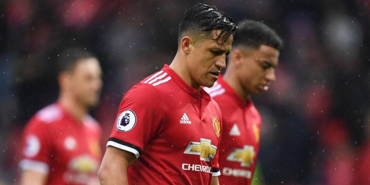 """Los bipolares ingleses vuelven a destrozar a Alexis en el United: """"Tuvo un partido deplorable"""""""