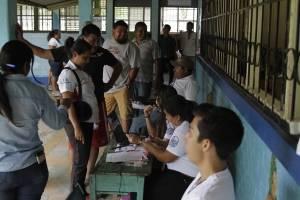 Centro de votación en Melchor de Mencos