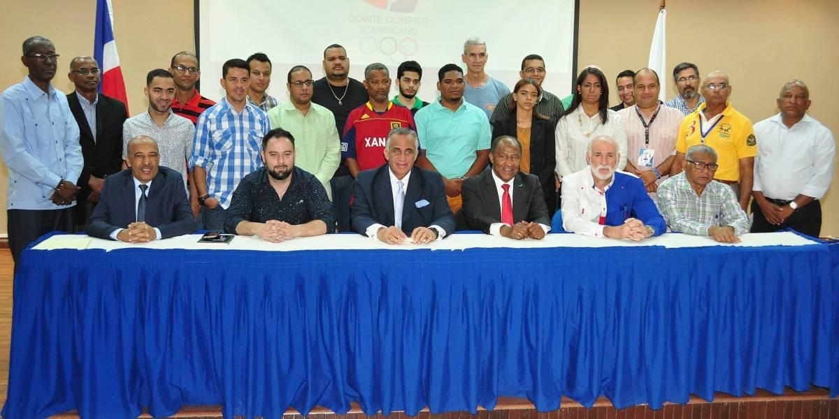 Busca crear una nueva camada de periodistas especializados en fútbol en la República Dominicana