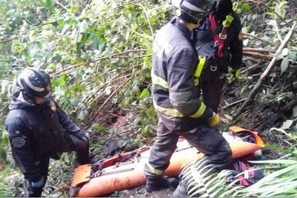 Jóvenes cayeron a un barranco en Monserrate