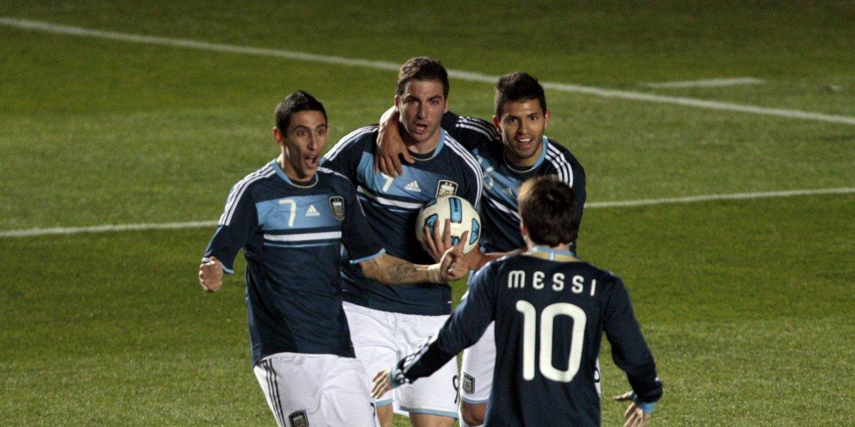 ¡No llores por mí, Argentina! Crack fue operado de la rodilla y podría perderse el Mundial