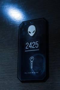 alienwareroom26-d8c1ce5e201c32eb6a3e20e618c38618.jpg