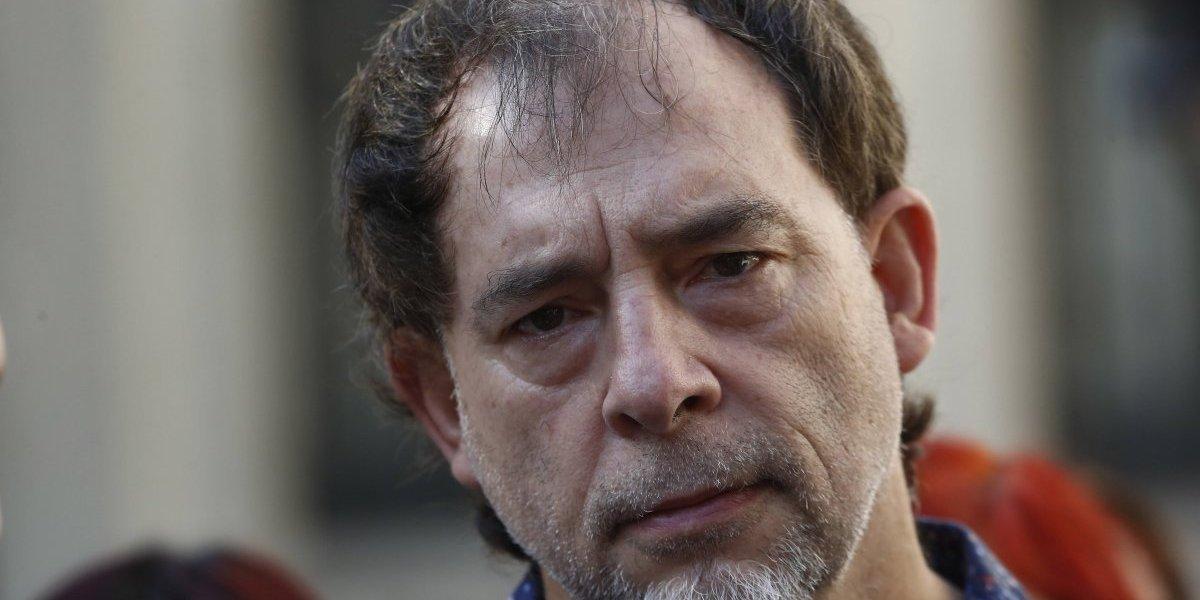 """Guido Girardi contra el Minsal: """"La situación se les está escapando de las manos"""""""