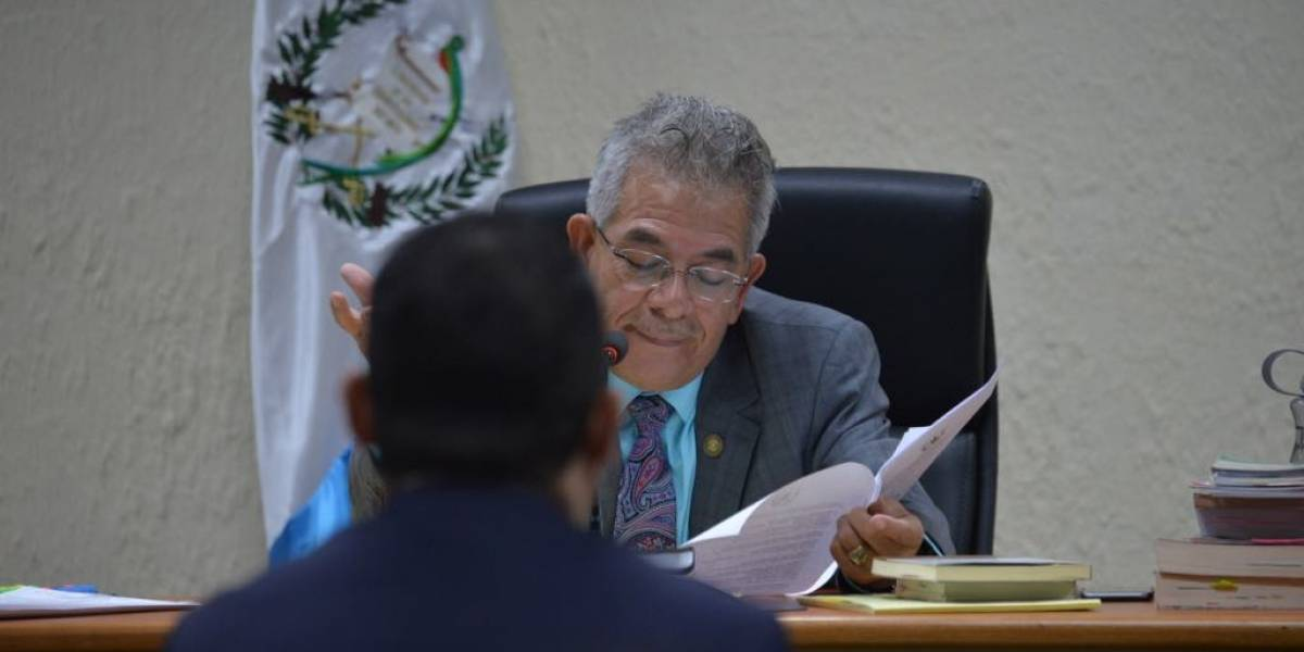Tras denuncia de Juan Carlos Monzón, juez Gálvez emplaza al Mingob para revisar seguridad del colaborador