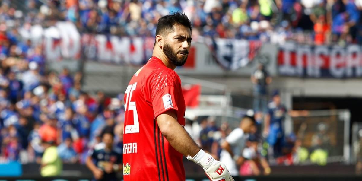"""Johnny Herrera lanza su furia contra Colo Colo: """"El que escribió en el camarín fue el mismo descerebrado de Lima"""""""