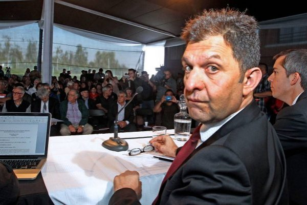 Aníbal Mosa no se esperaba la presencia de Guede / imagen: Agencia UNO