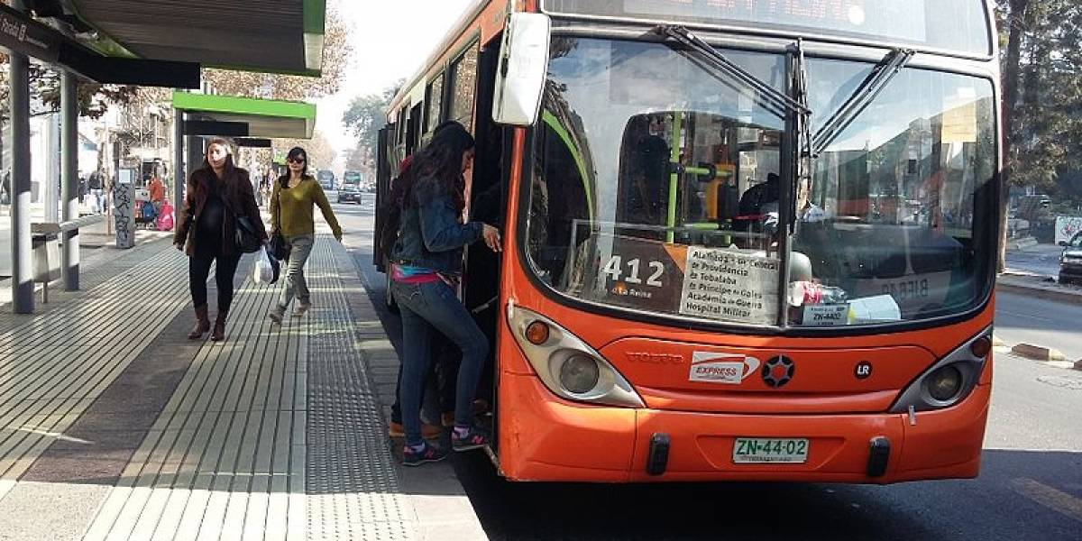 Gobierno chileno quiere modernización del Transantiago con pago con celulares