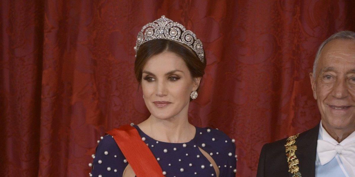 Reina Letizia sufre bochornoso momento por culpa de su vestido