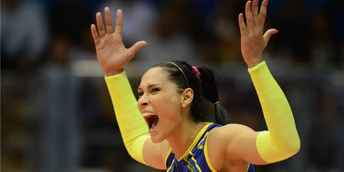 Bicampeã olímpica, Jaqueline volta à seleção de vôlei para atuar como líbero