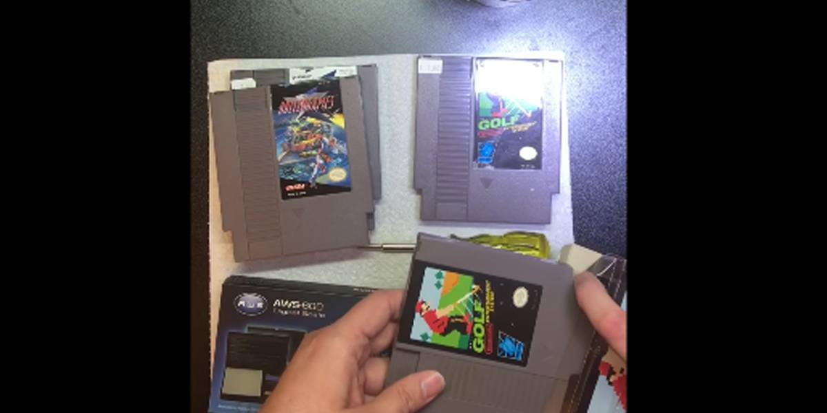Fanático por games encontra mais do que um jogo em cartucho de NES