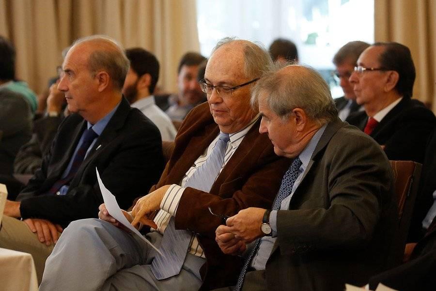 Jaime Estévez sigue en el directorio de Cruzados. El ex ministro está en la testera de la concesionaria que adminitra el fútbol de la UC desde 2009 / Foto: Photosport