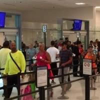 Multas de $300 a viajeros que lleguen a la isla sin prueba negativa de COVID-19