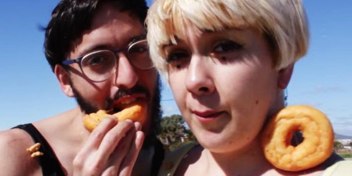 """¿Quiénes son los autores de """"Cómeme el donut""""?"""