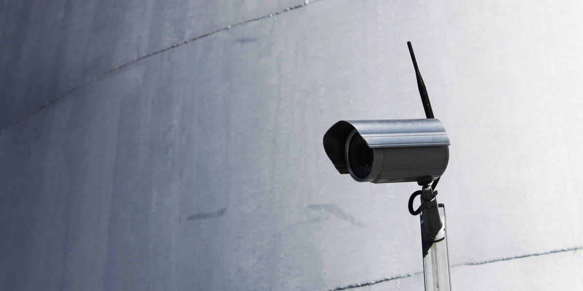 Presentan proyecto que obligaría a negocios a contar con cámaras