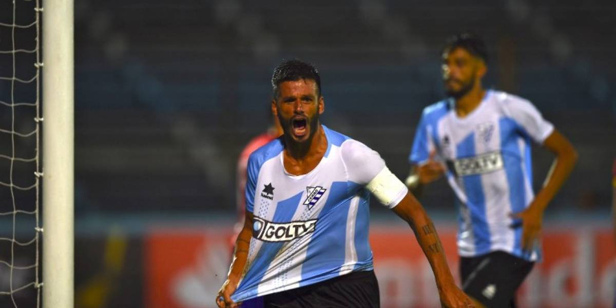 Jugador de Cerro que le anotó a Unión superó a Rogerio Ceni en longeva marca