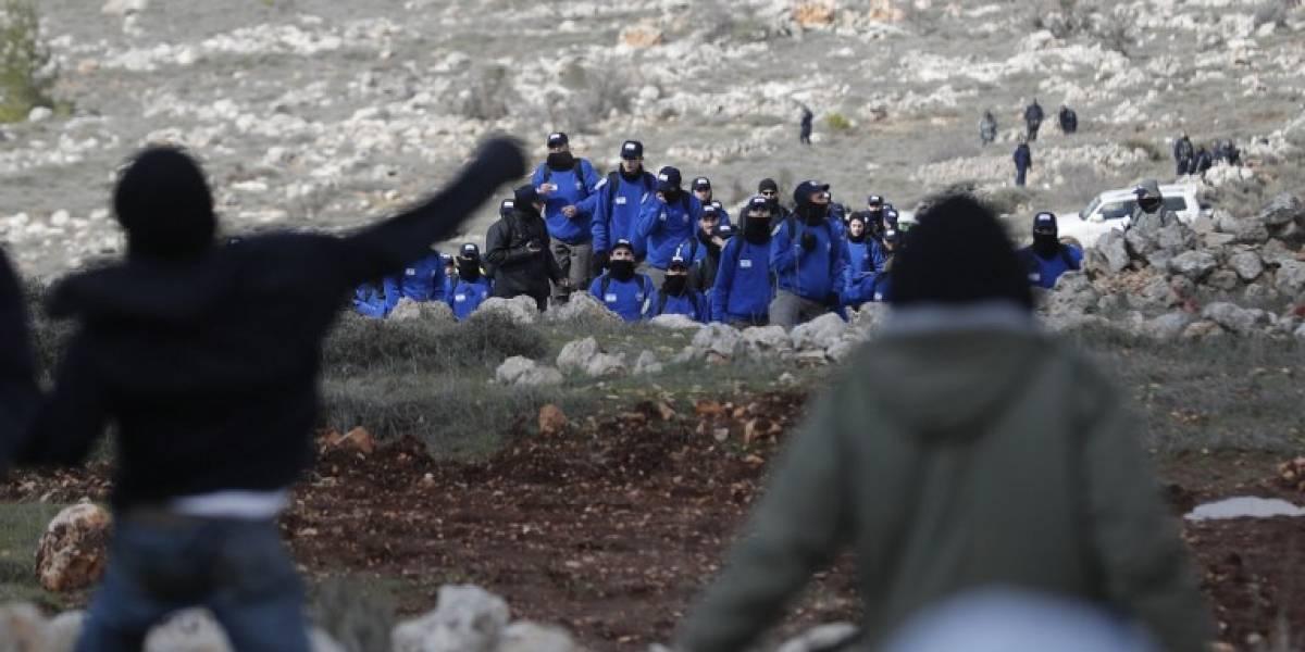 Israel evacúa una emblemática colonia pero anuncia miles de nuevas viviendas en Cisjordania