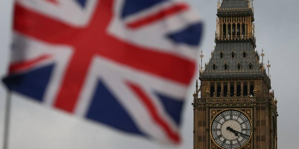Elevan previsiones de crecimiento británico pese al Brexit