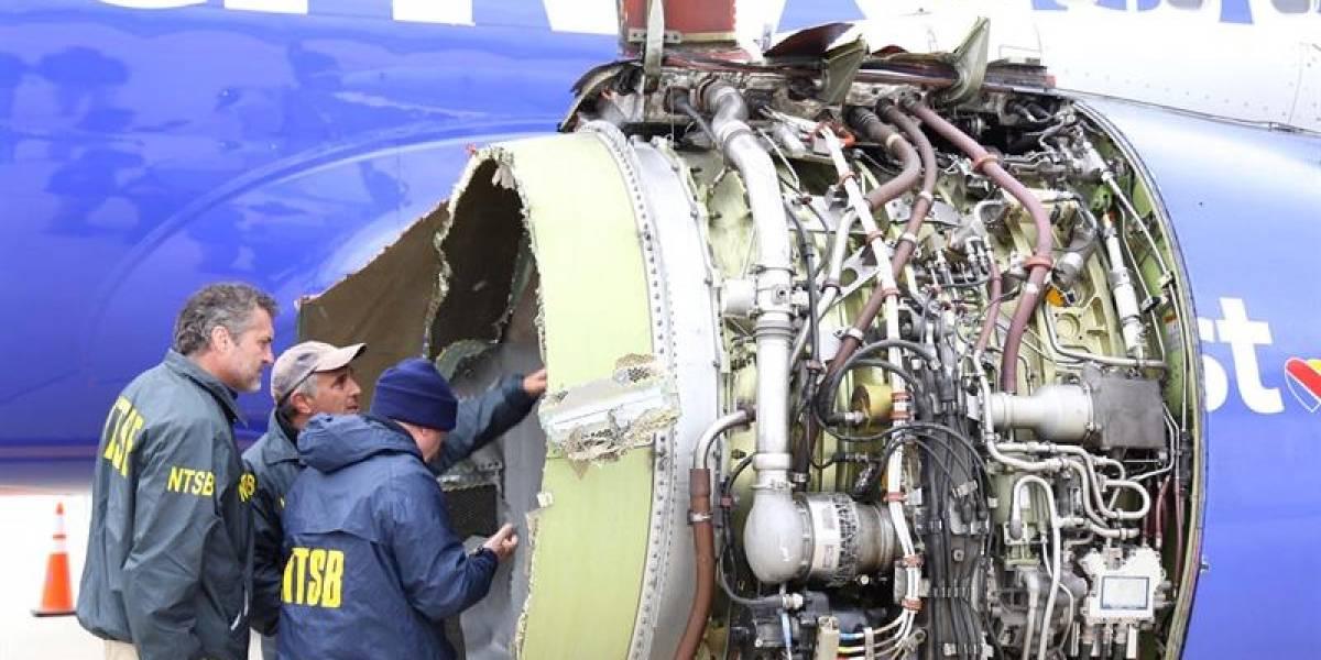 Pasajeros grabaron en video el momento en que turbina explota en pleno vuelo