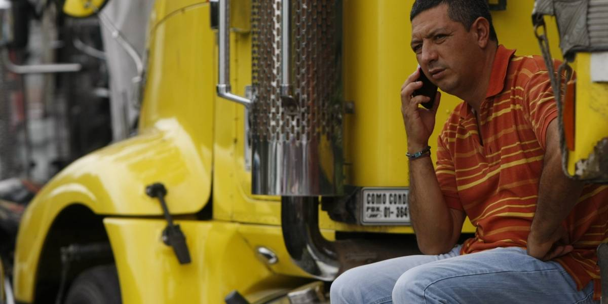 Protesta de camioneros tiene paralizada la movilidad en Banderas