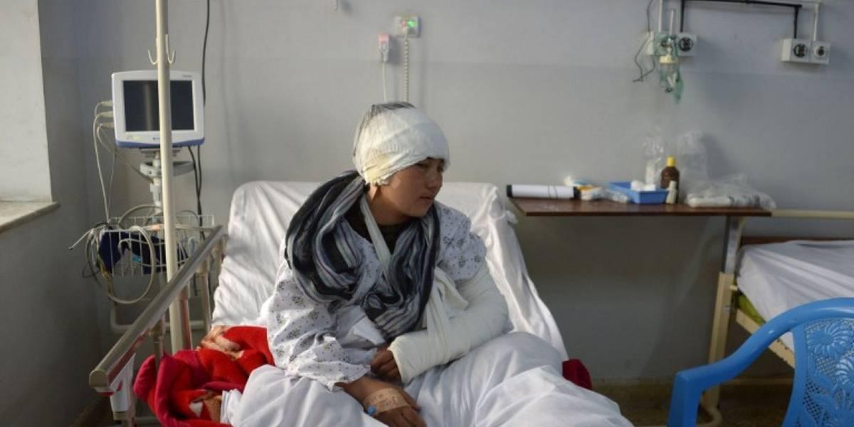 """Afgano le corta las orejas a su esposa por """"mirar a otros hombres"""""""
