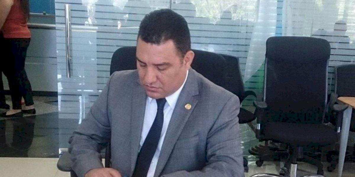Ministro de Ambiente critica decisiones de Giammattei y le pide respetar al actual Gobierno