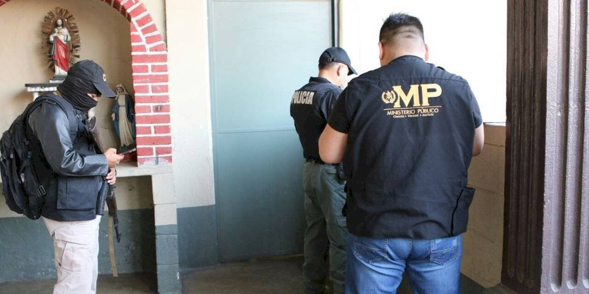 Capturan a integrantes y exmiembros del concejo municipal de Puerto San José