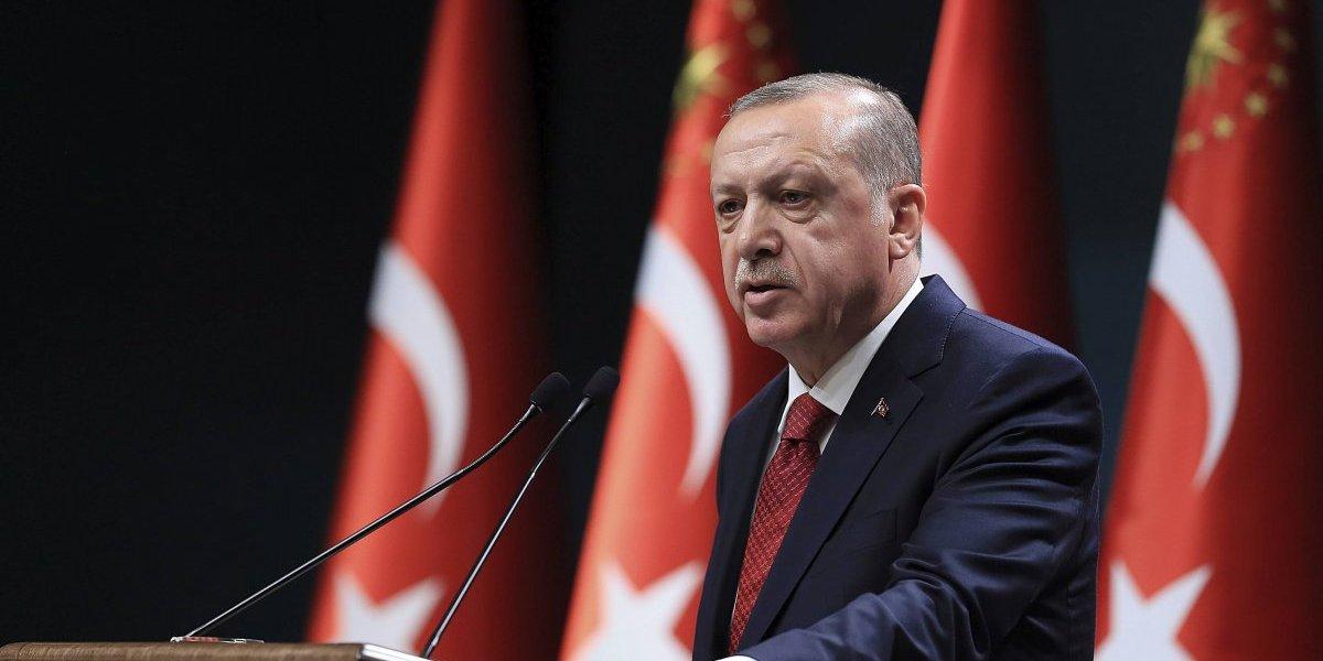 Turquía adelanta un año y medio sus elecciones