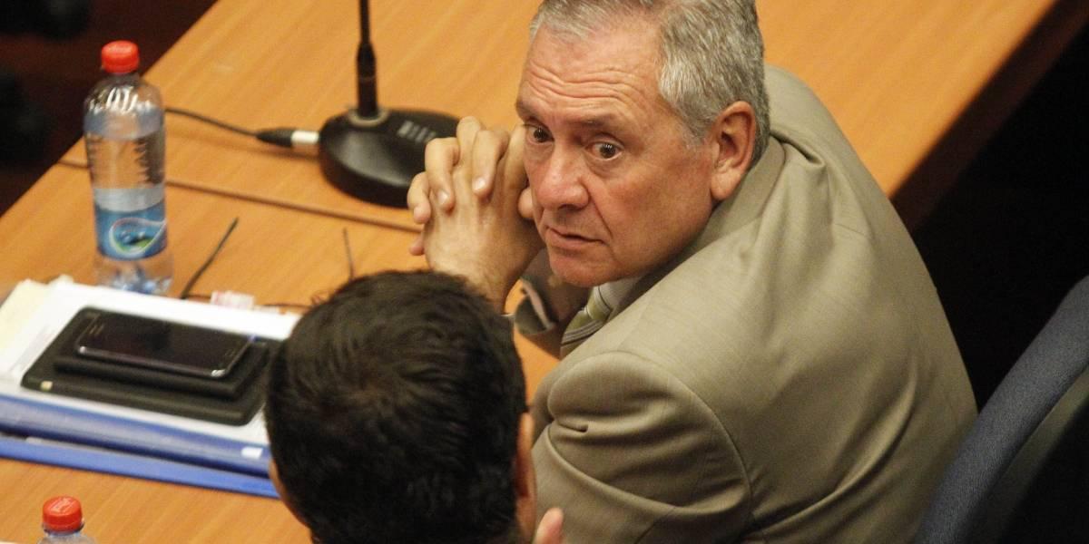 Ex alcalde Pedro Sabat es sobreseído por presuntos ilícitos en caso basura