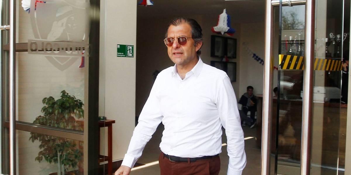 El último adiós: Mosa tuvo aplaudida despedida del plantel de Colo Colo tras dejar la presidencia de ByN