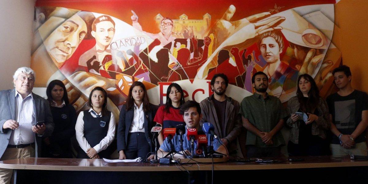 Miles de estudiantes protestaron en Chile contra el lucro en la educación