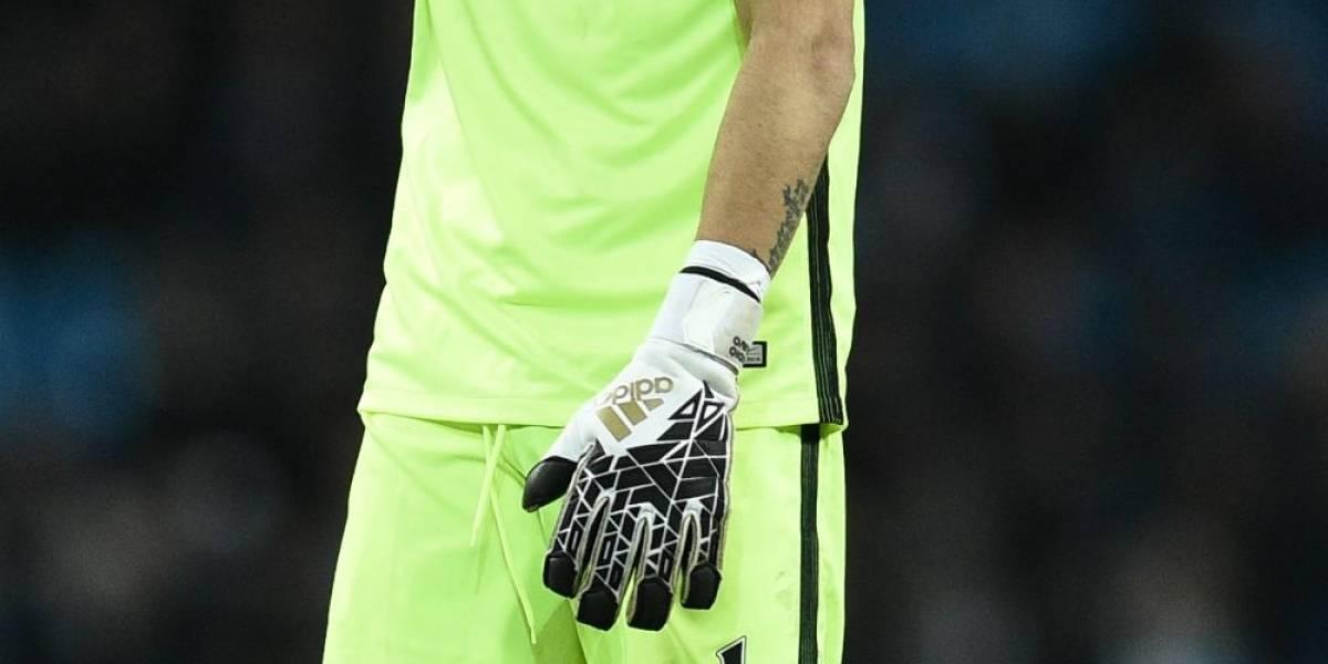Claudio Bravo irá a la banca por primera vez en la Premier League