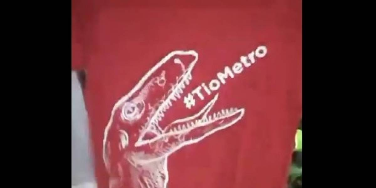 ¡Quiero mi polera de velocirraptor!: la notable campaña del Metro que premia a los #BienPortao y que se ganó el amor de las redes sociales