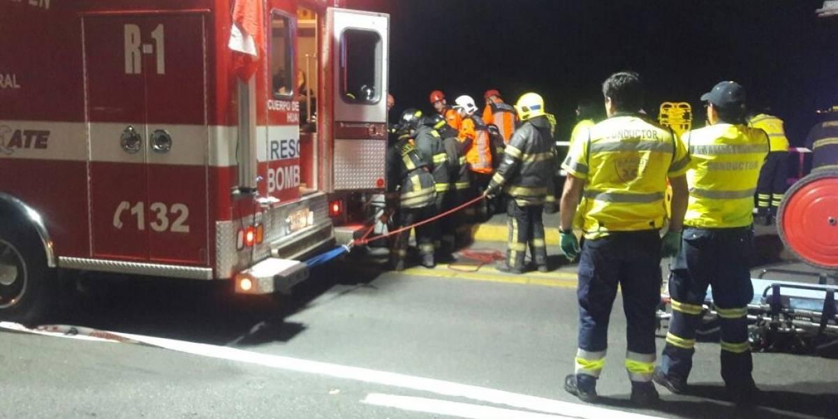 Automóvil cae desde puente en Concepción y deja un muerto y seis heridos