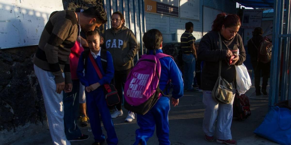 Retienen a menor de 13 años con pistola en escuela de Tlalnepantla