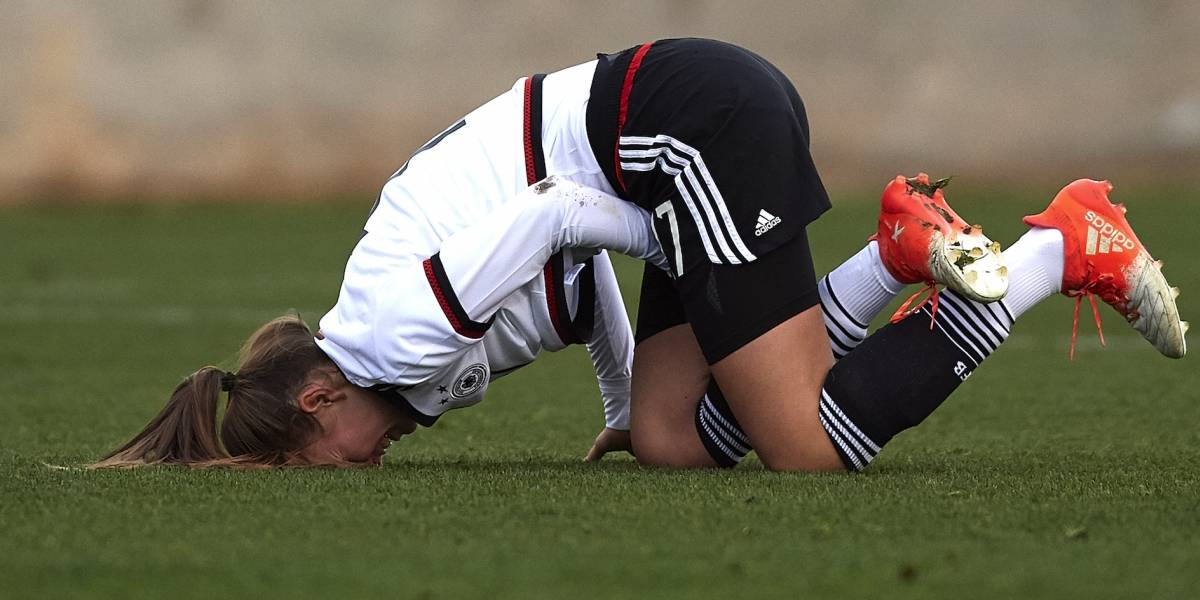 Tribunal apoya al equipo que despidió a una futbolista por estar embarazada