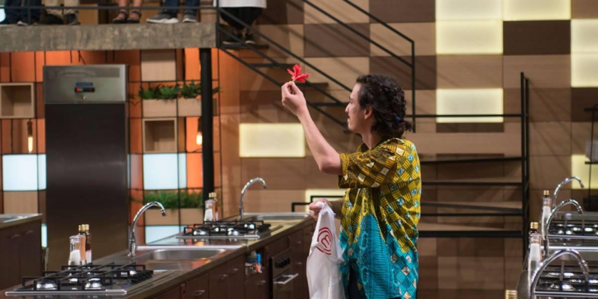 MasterChef Brasil: Crislene e Kauê exageram na pimenta em receita de Fogaça e são eliminados