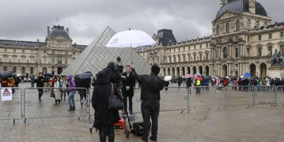 El Louvre reabre sus puertas tras ataque a militar