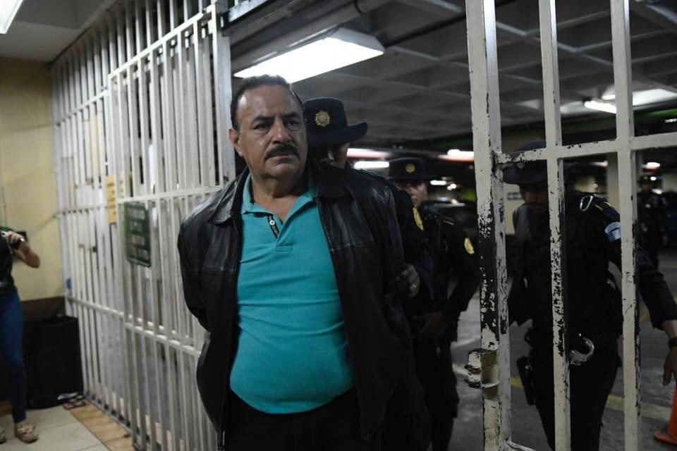 El presidente de Guatemala recibe tercera acusación por corrupción