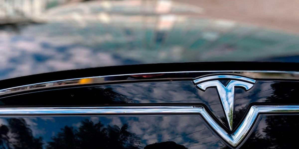 Otra vez: Un Tesla Model S se estrella en piloto automático por culpa del conductor