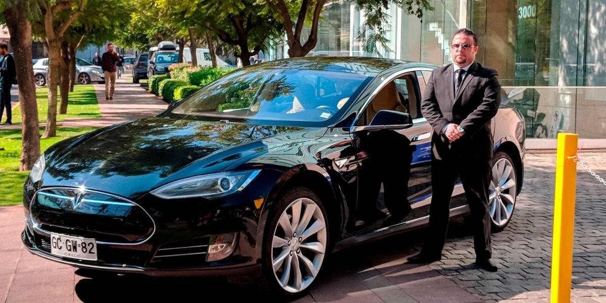 Fotos: El único Tesla chileno está prestando servicios en Cabify