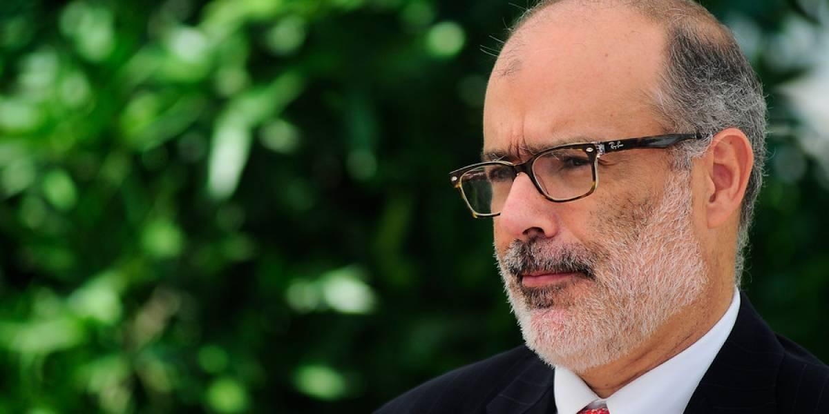 """Ministro Valdés y efectos de incendios forestales: """"No va a ser una catástrofe macroeconómica"""""""