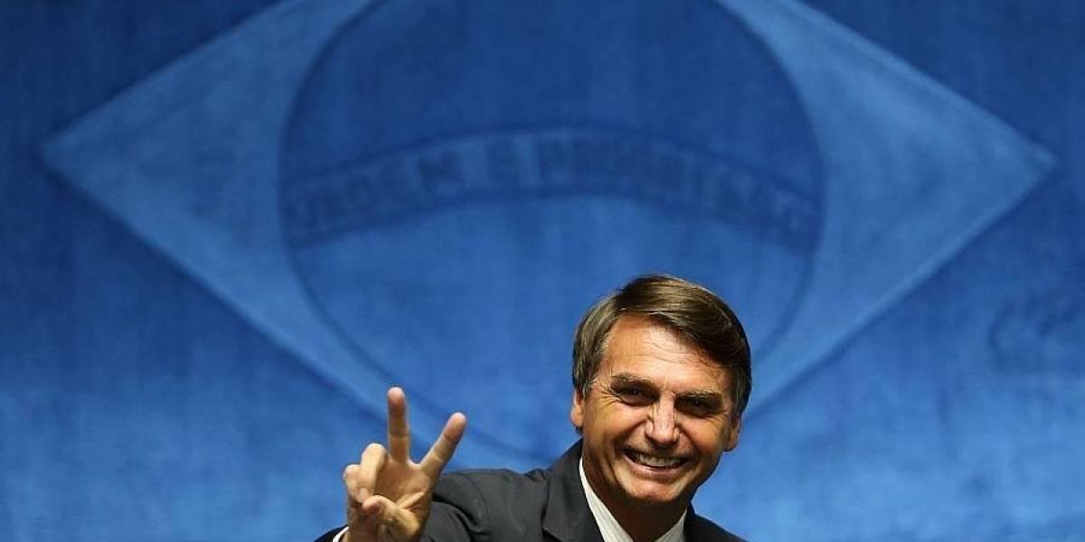 """El """"Trump de los trópicos"""": el peligroso candidato que lidera la carrera presidencial en Brasil"""